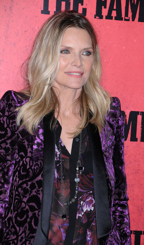 Michelle Pfeiffer look younger