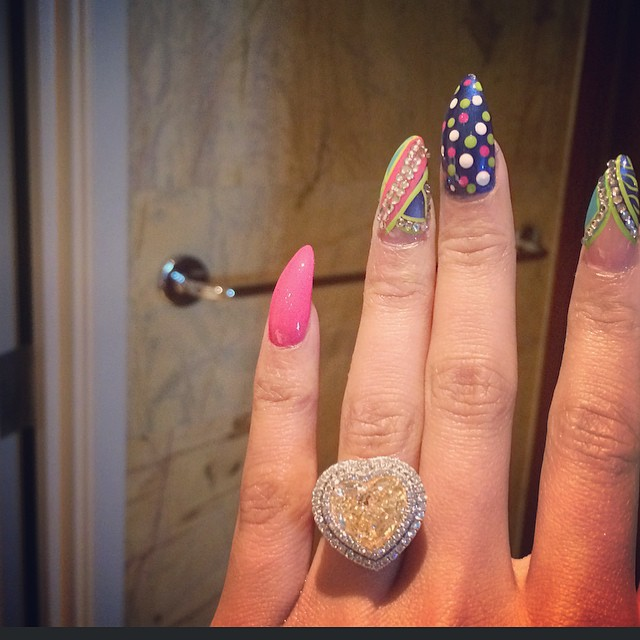 Nicki Minaj huge diamond ring