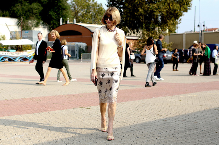 Anna Wintour in Pencil skirt