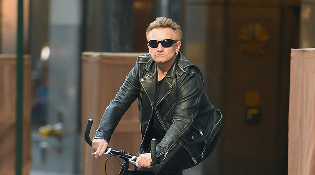 Bono fall from a bicycle