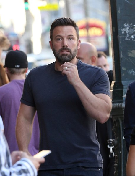 Ben Affleck wears the wedding ring
