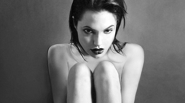 Angelina Jolie rare nude photos