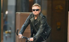 Bono laughed at his fall from a bicycle
