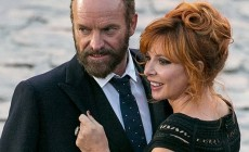 Kisses and a lot of passion: Sting and Mylène Farmer sung together the hit Stolen Car